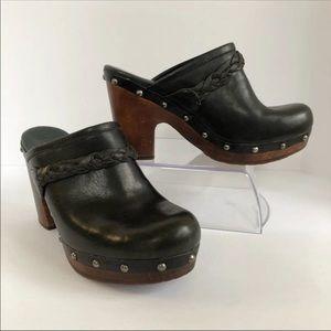 UGG Kaylee Black Studded Mule Clogs SZ 7